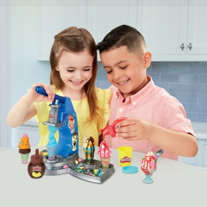 E6688_LS_PD_DRIZZY_ICE_CREAM_PLAYSET_4