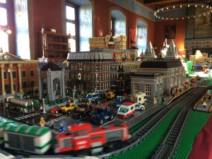 Exposition_100_LEGO_credit_Chateau_dAncy_le_Franc_1