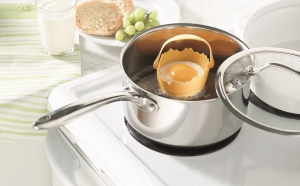 top les accessoires de cuisine pour cuisiner les oeufs selon trudeau sant et vie. Black Bedroom Furniture Sets. Home Design Ideas